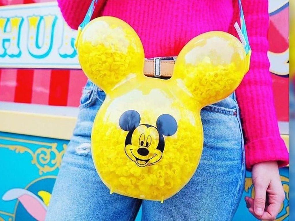 Lucunya! Ini 13 Mickey Mouse Dalam Bentuk Makanan yang Ada di Disneyland
