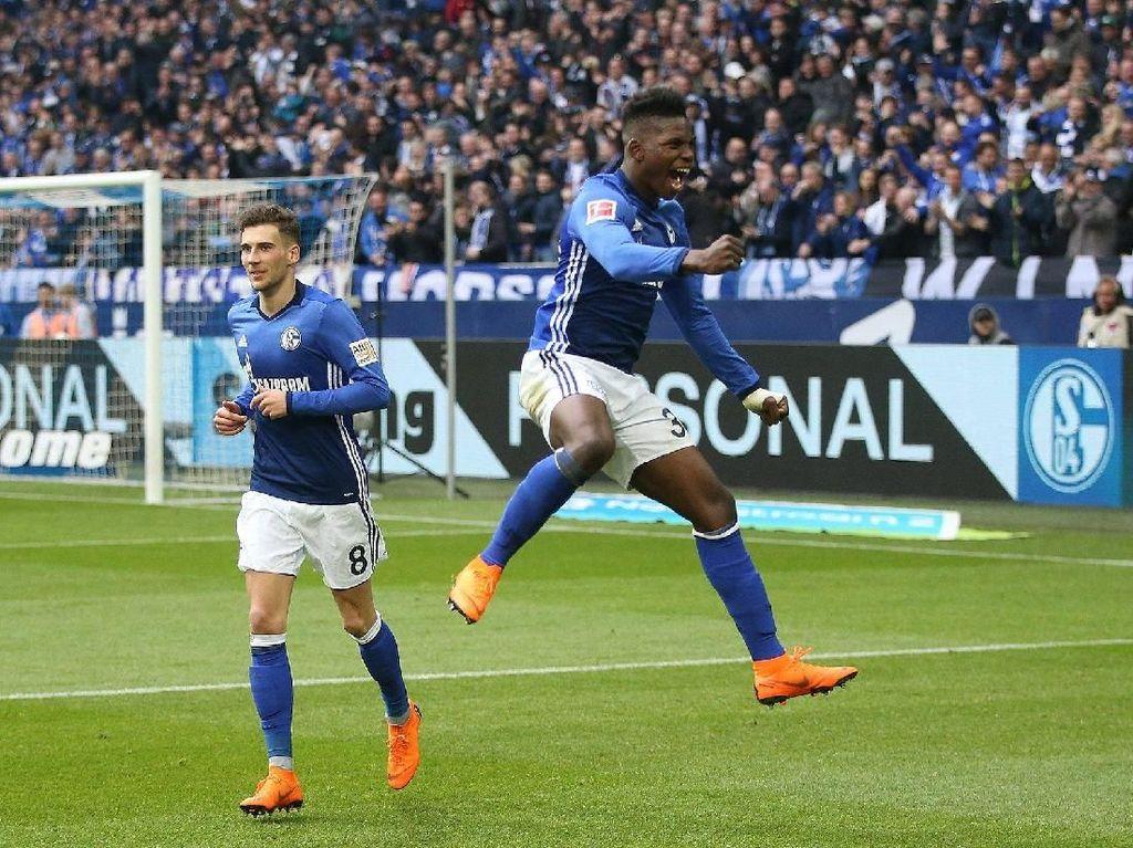 Schalke Tunda Pesta Juara Bayern