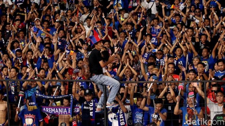 Jika Liga Berlanjut, Aremania Minta Bonek Taati Nota Kesepakatan