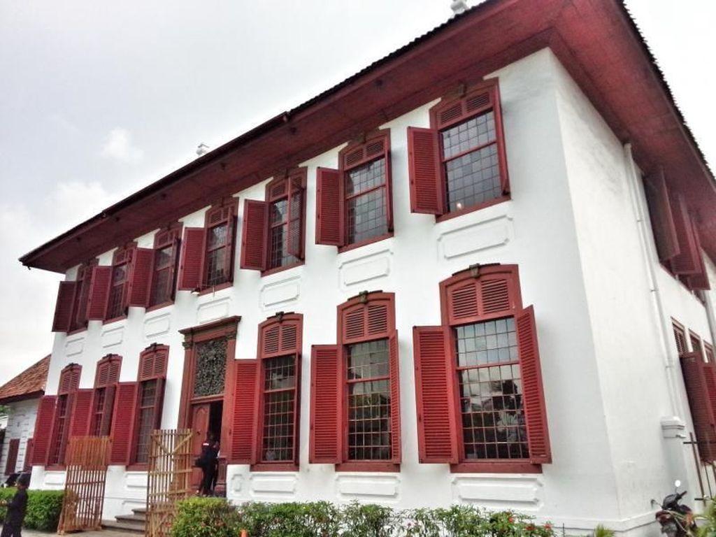 Sudut-sudut Cantik Gedung Arsip Nasional