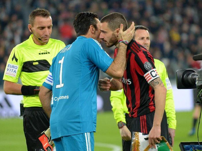 Leonardo Bonucci saat berhadapan dengan Juventus di Liga Italia. (Foto: Massimo Pinca/Reuters)