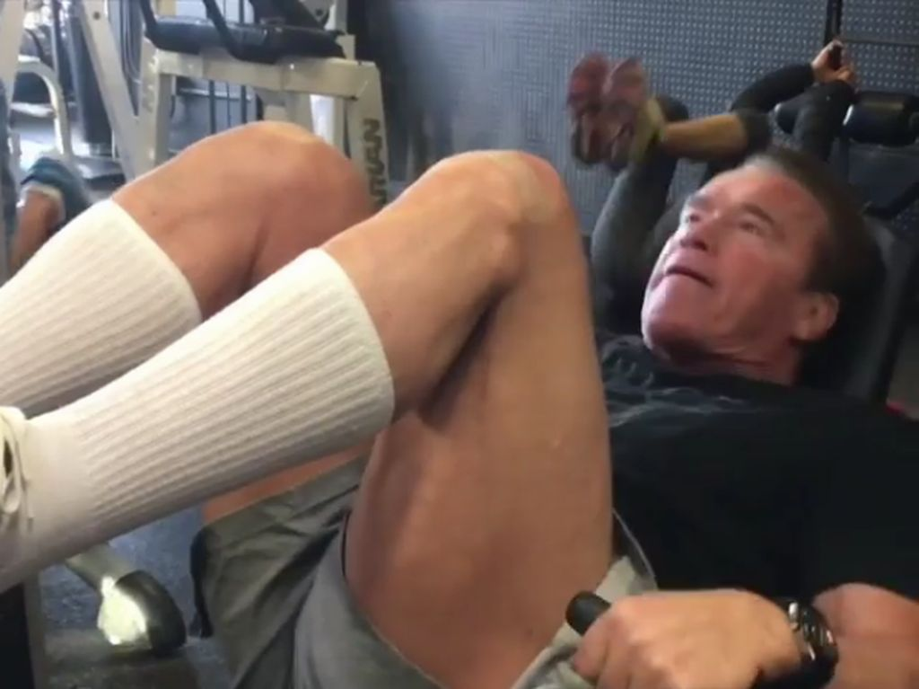 Sebelum Operasi Jantung, Arnold Schwarzenegger Masih Aktif Olahraga