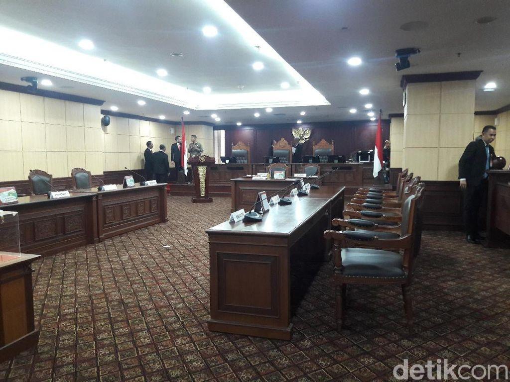 Ketua MK Dipilih Lewat Voting