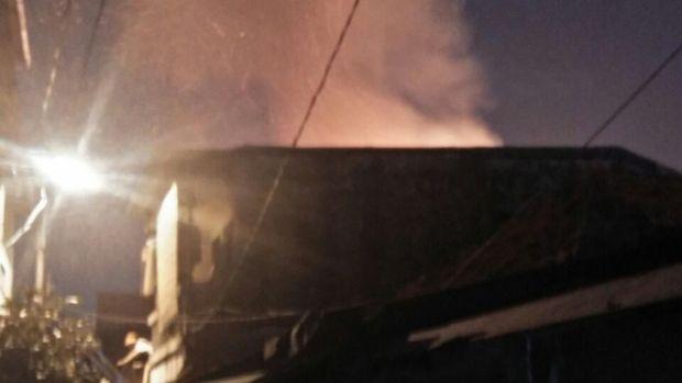 Kebakaran di Jembatan Besi Diduga dari Rumah Konveksi