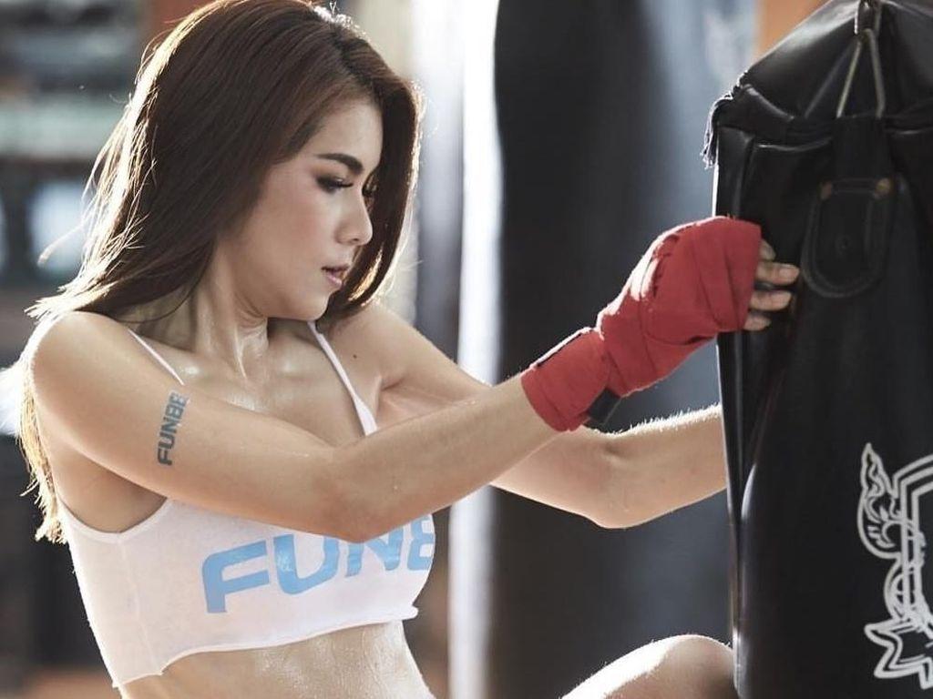 Rahasia Bugar Nong Nat, Model yang Juga Mantan Bintang Porno dari Thailand