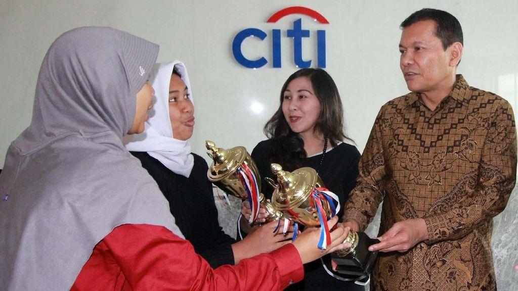 Citi Indonesia Dorong SMAN 1 Cisarua terus Berprestasi