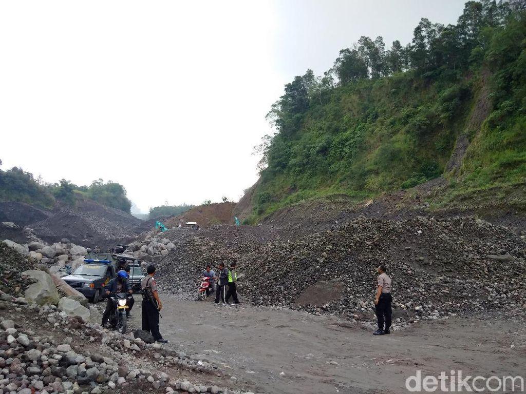Warga Cibadak Sukabumi Setop Aktivitas Tambang Pasir Kuarsa