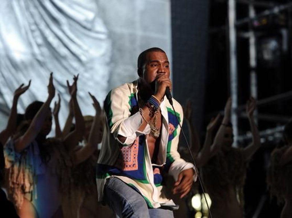 Kanye West Akan Rilis Album Minggu Ini