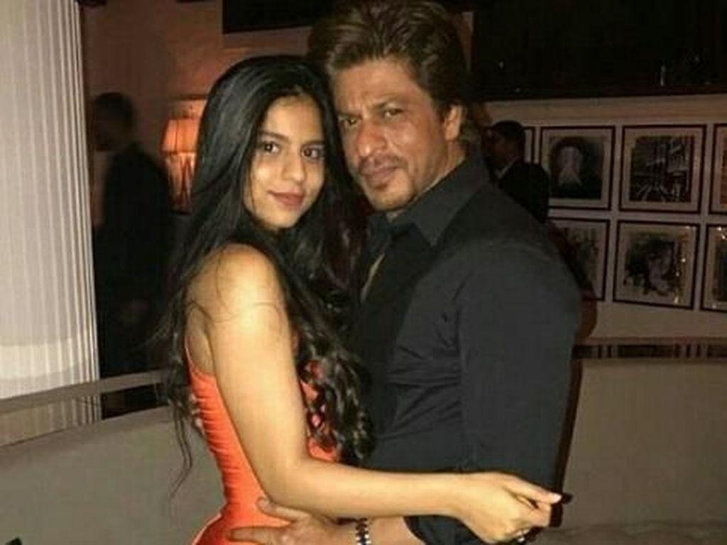 Saat Shah Rukh Khan Ikut Komentari Foto Seksi Anaknya