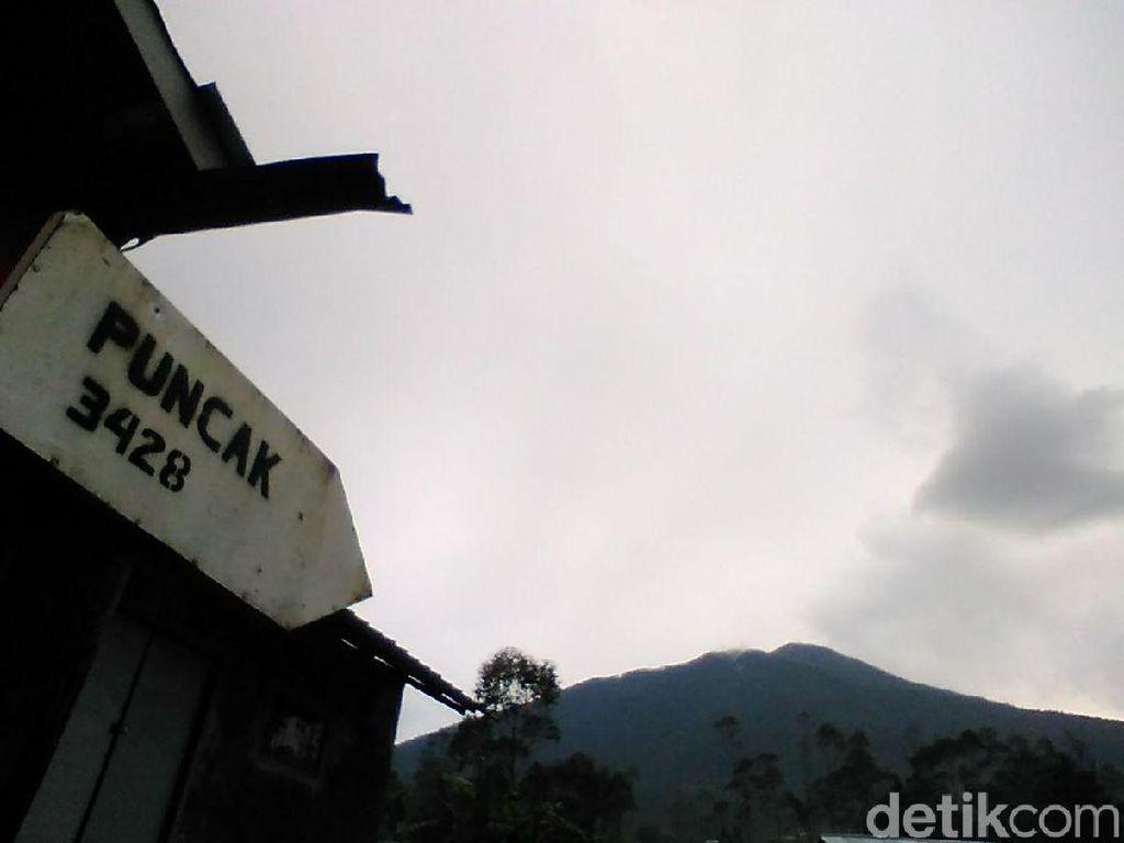 Mulai 1 Agustus Pendaki Gunung Slamet Wajib Bawa Surat Dokter