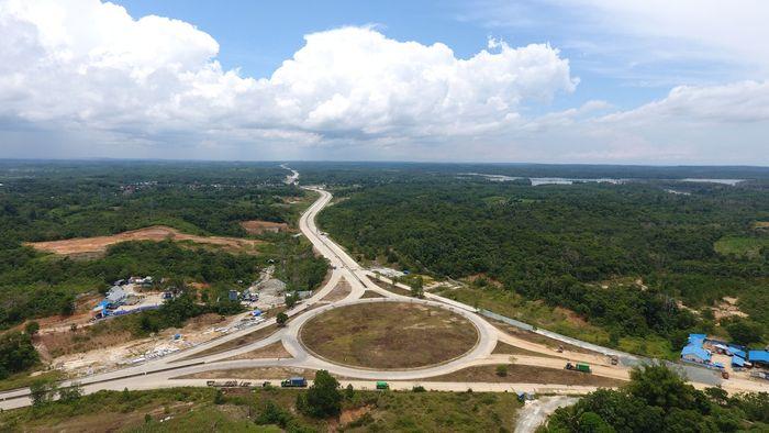 Bagian yang menunjukkan perkembangan paling signifikan adalah Segmen 1 tol Balikpapan-Samarinda ruas Balikpapan-Simpang Samboja sepanjang 25 km. (Foto: dok. Wika)