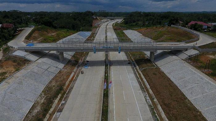 PT Jasamarga Balikpapan Samarinda (JBS) selaku anak usaha PT Jasa Marga (Persero) Tbk yang mengelola jalan tol ini, melakukan segenap upaya percepatan agar memenuhi target yang telah ditentukan. (Foto: dok. Wika)