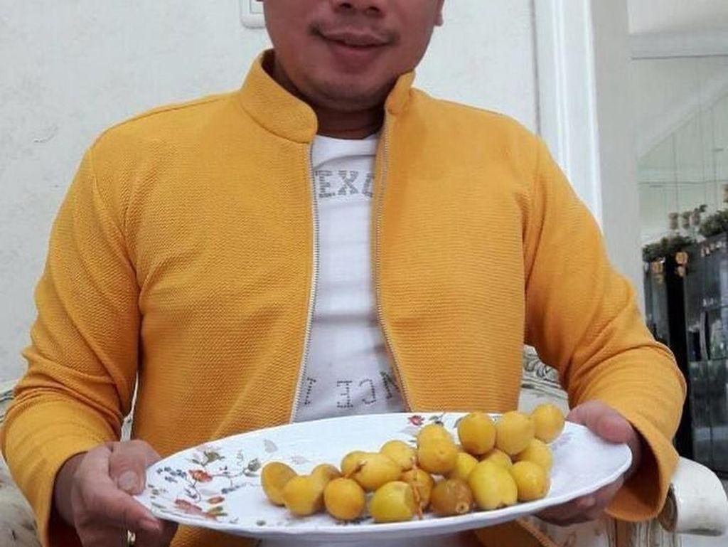 Intip 10 Gaya Makan Vicky Prasetyo yang Nyentrik Menggelitik
