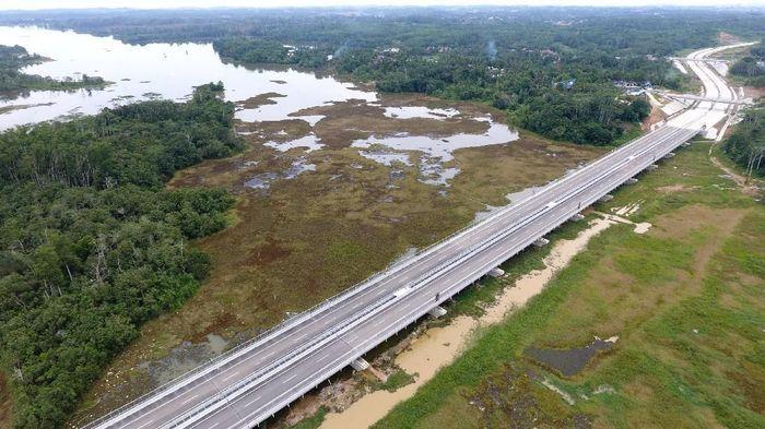 Jalan tol dengan total panjang 99,35 kilometer (km) ini ditargetkan untuk bisa diselesaikan pada penghujung tahun 2018, sehingga dapat beroperasi penuh pada awal tahun 2019. (Foto: dok. Wika)