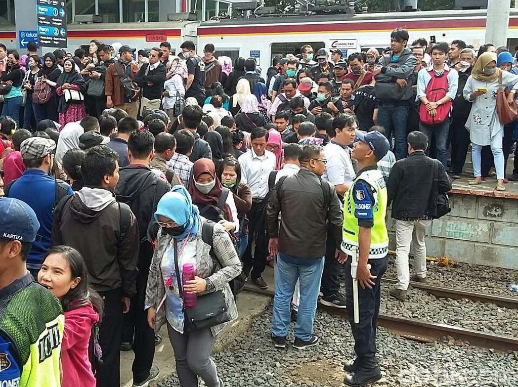 Kereta Bandara Dianggap Ganggu Jadwal KRL, Railink: Kami Sudah Koordinasi