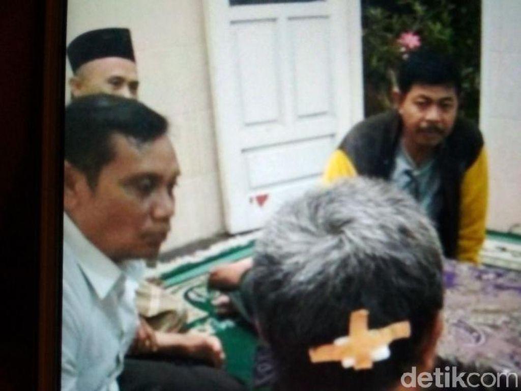Seorang Pengasuh Ponpes Dianiaya, Dipukul saat Jadi Imam Salat