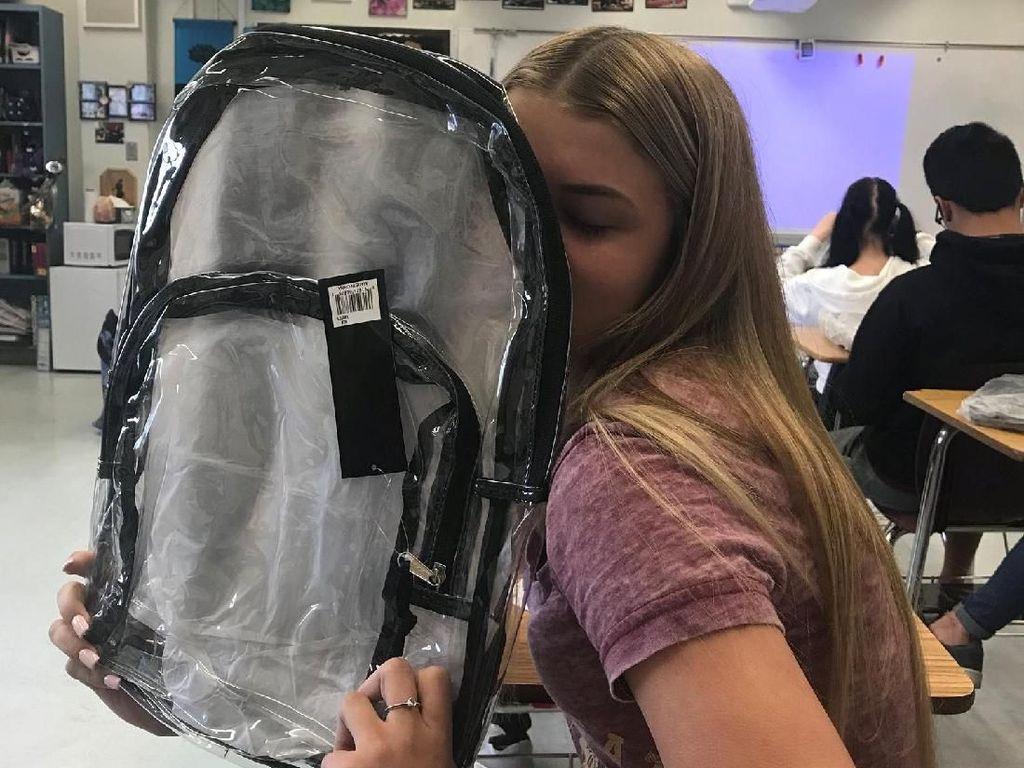 Cegah Penembakan, SMA di Florida Bagikan Tas Transparan
