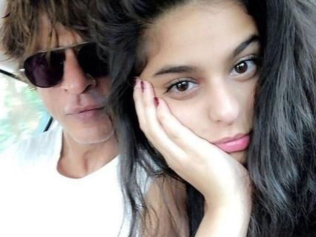 Kebersamaan Shah Rukh Khan dengan Sang Putri di Pertandingan Kriket