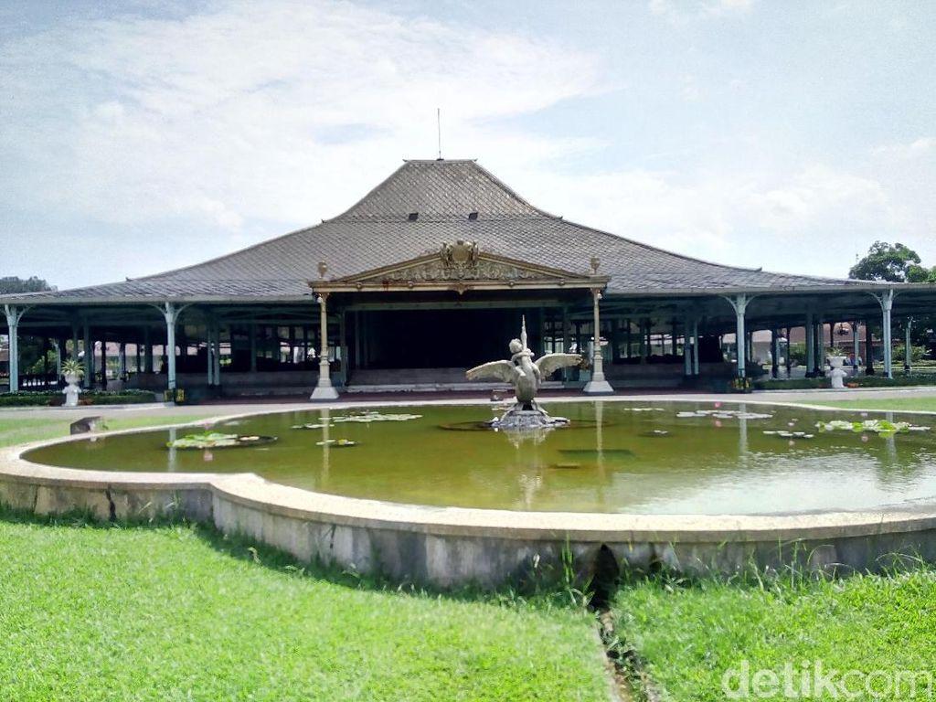 Destinasi Solo, Mulai dari Wisata Sejarah hingga Belanja Batik