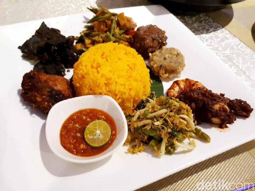 Mamanda: Mencicip Nasi Tumpeng dan Asam Pedas di Resto Historis Singapura