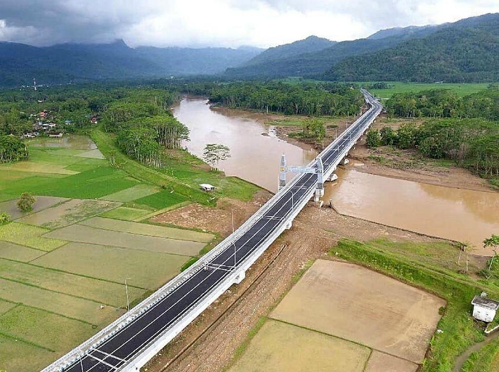 Megahnya Jembatan Grindulu Senilai Rp 211 Miliar di Kampung SBY