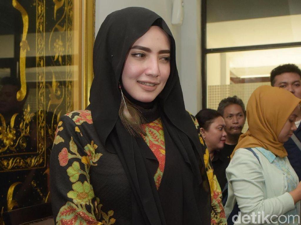 Opick Nikahi Bebi Silvana, Yulia Mochamad Ingin 2019 Punya Suami