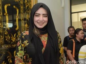 Opick Sering ke Rumah Yulia Mochamad tapi Tak Sendiri