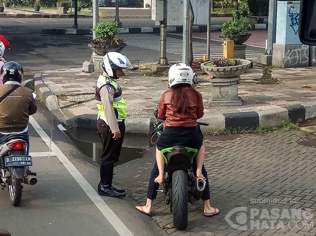 Motor Sport Tanpa Pelat Nomor Terciduk di Bandung