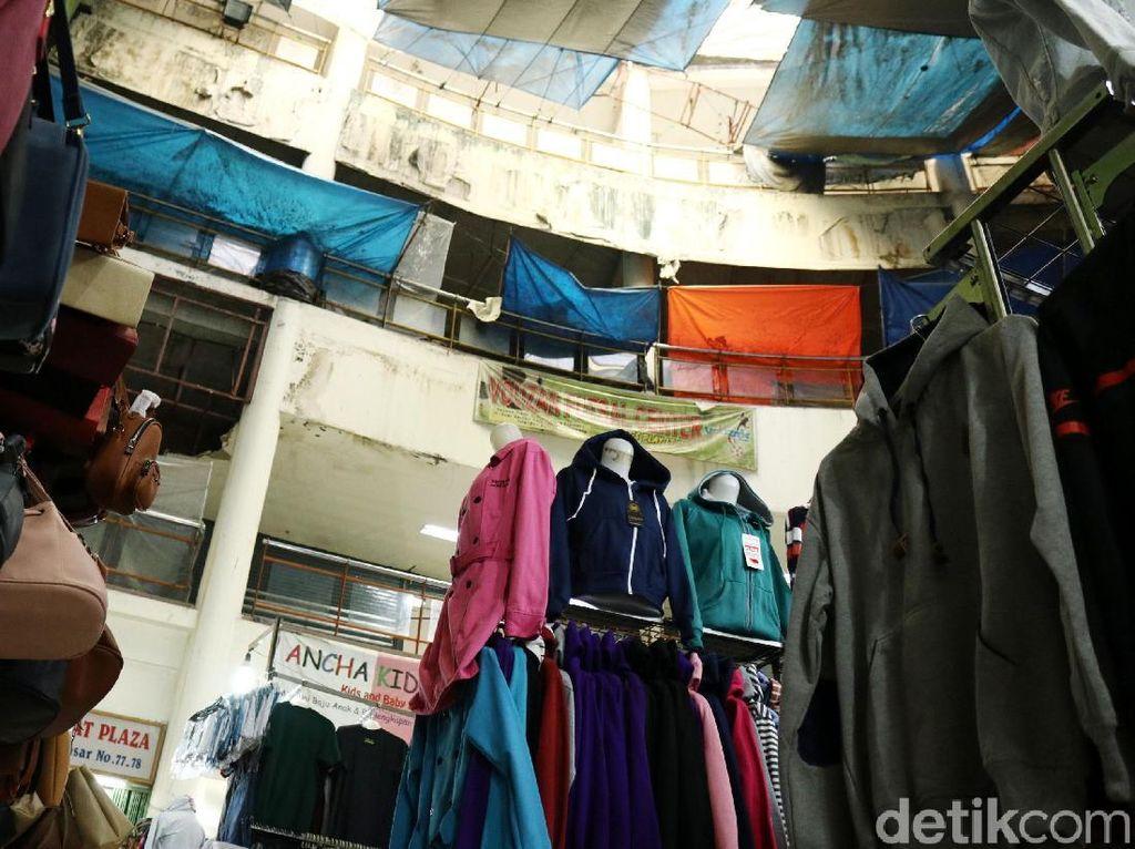 Foto: Kondisi Plaza Ciputat Memprihatinkan
