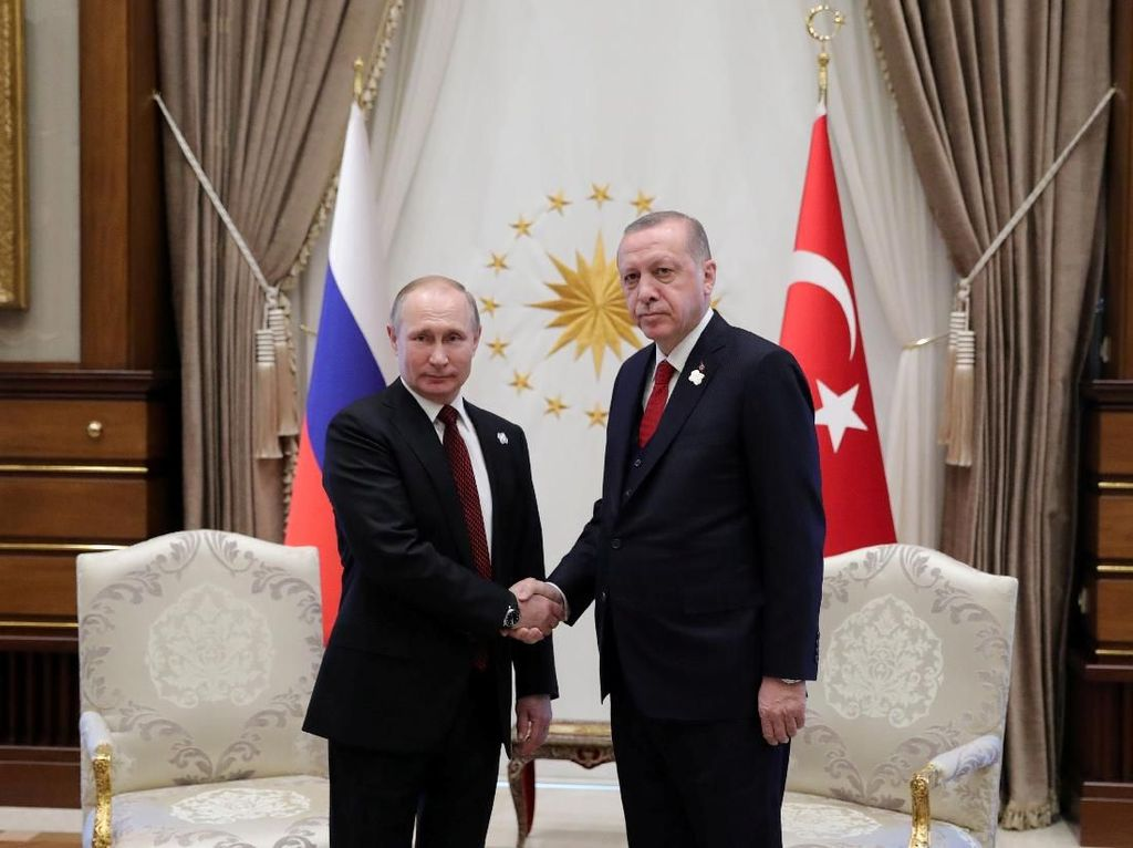 Erdogan Telepon Putin, Bahas Pembicaraan Damai Armenia-Azerbaijan
