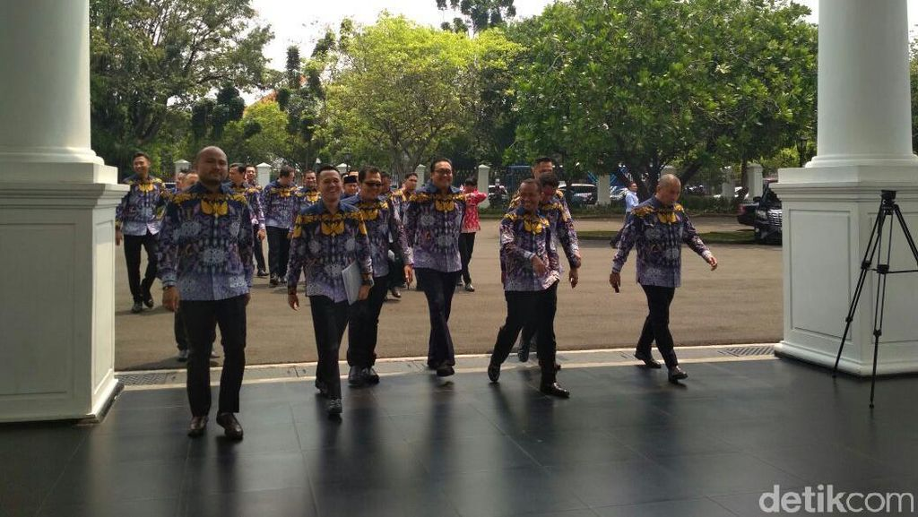Tagih Janji Jokowi, Puluhan Pengusaha Muda Serbu Istana