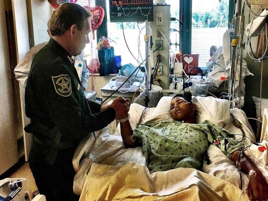 Siswa yang Lindungi Temannya dari Penembakan Florida Pulang dari RS