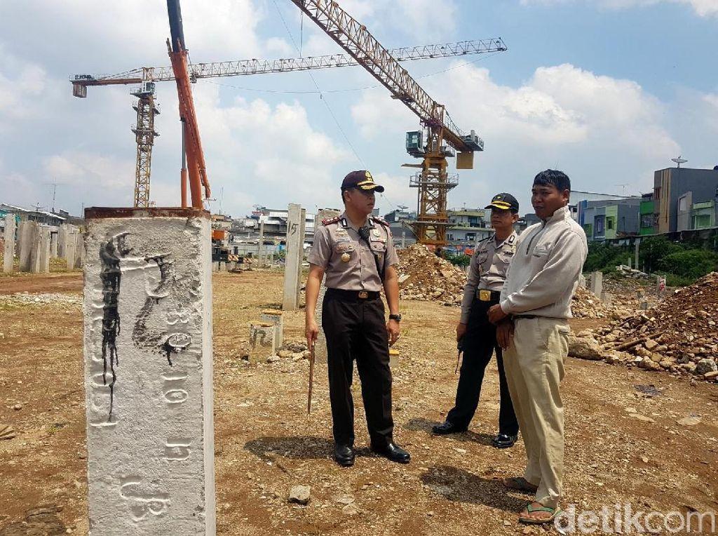 Polisi Cek Tower yang Berputar Saat Badai Datang di Sukabumi