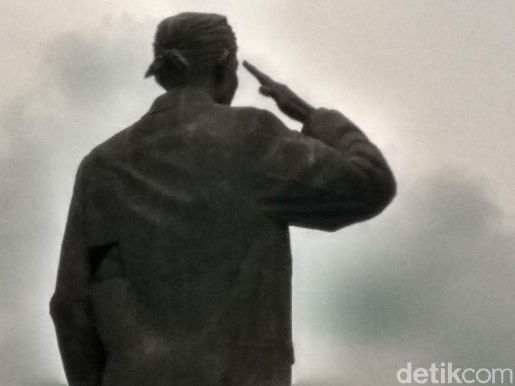 Patung Jenderal Sudirman Bolong, Sandi: Kita Perbaiki