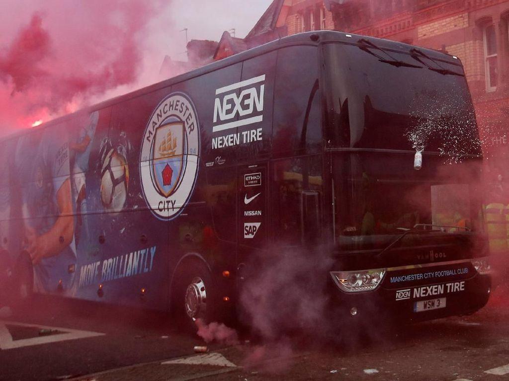 Khawatir Diserang Lagi, Man City Pakai Bus Mata-mata ke Liverpool