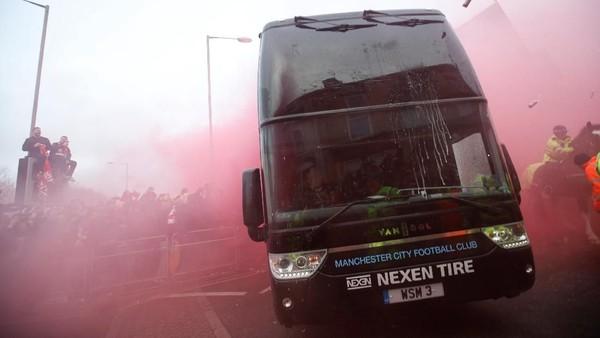 Klopp Kutuk Para Idiot yang Serang Bus City