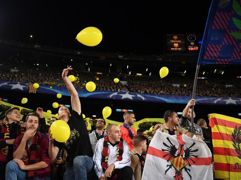 Balon Kuning Masuk Lapangan Bikin Barcelona Didakwa UEFA