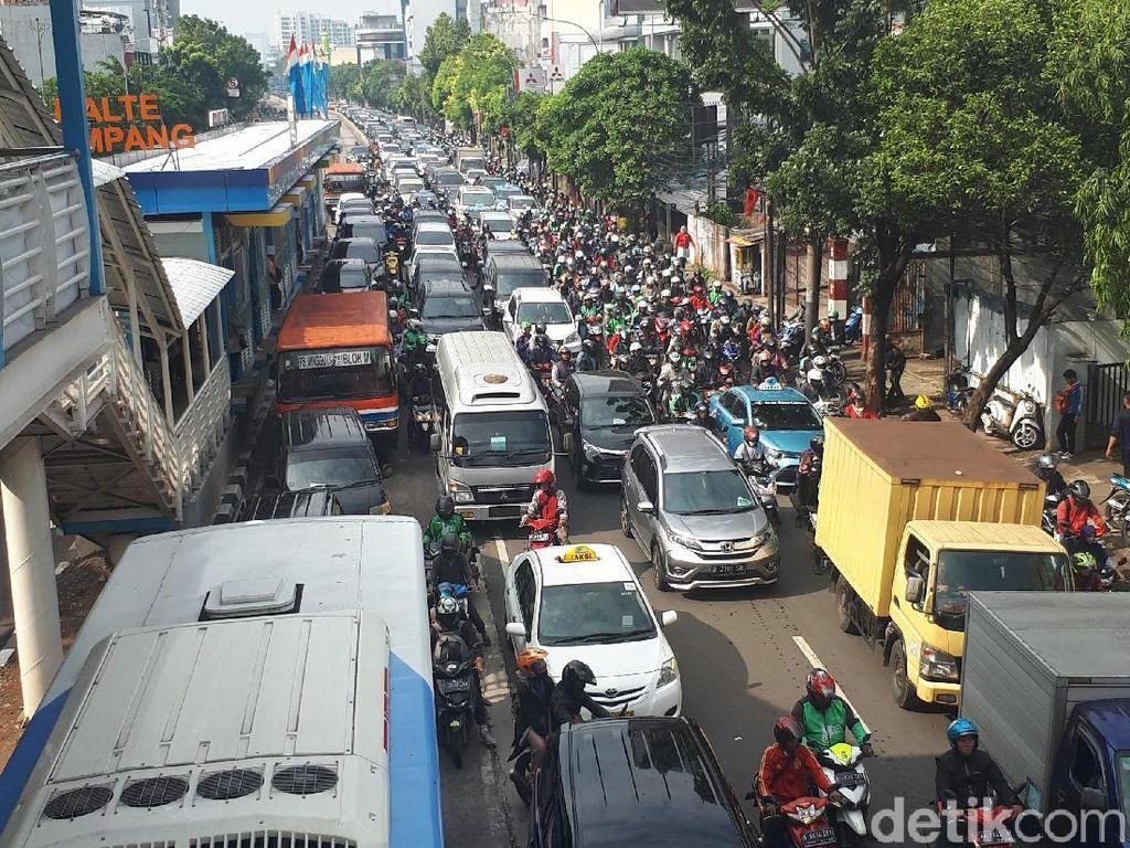 Macet Horor di Mampang, Akankah Sirna Usai Underpass Dibuka?