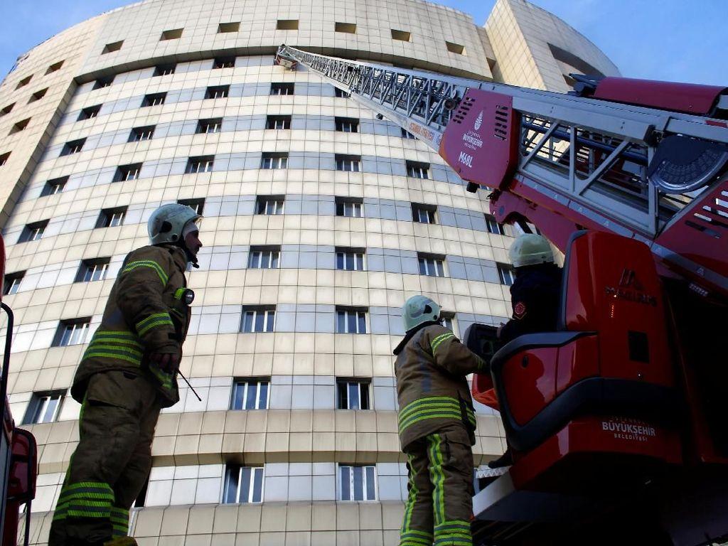 RS di Istanbul Terbakar, 70 Pasien Dievakuasi