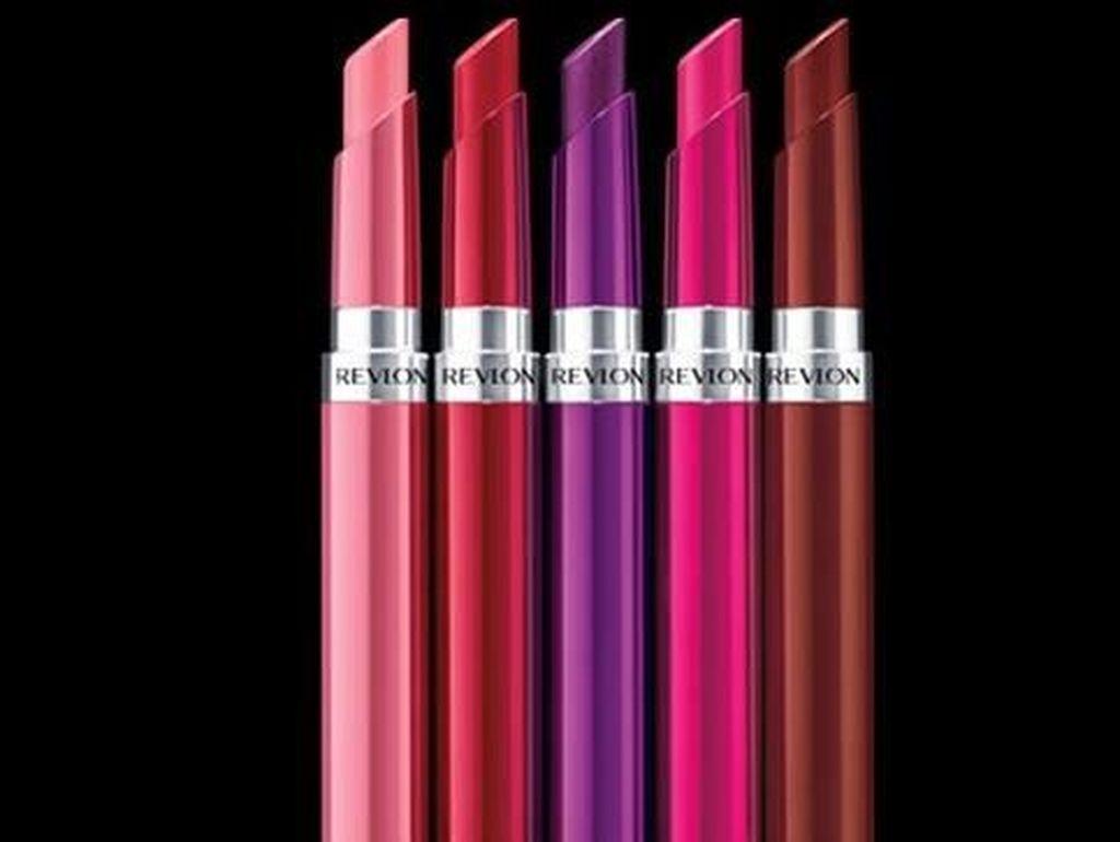 Lipstik Berbentuk Gel dari Revlon yang Mengandung Hyaluronic Acid