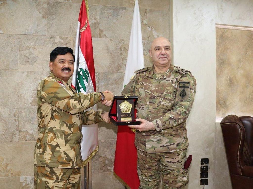 Heboh Kunjungan Panglima TNI ke Lebanon karena Hoax Bendera Terbalik