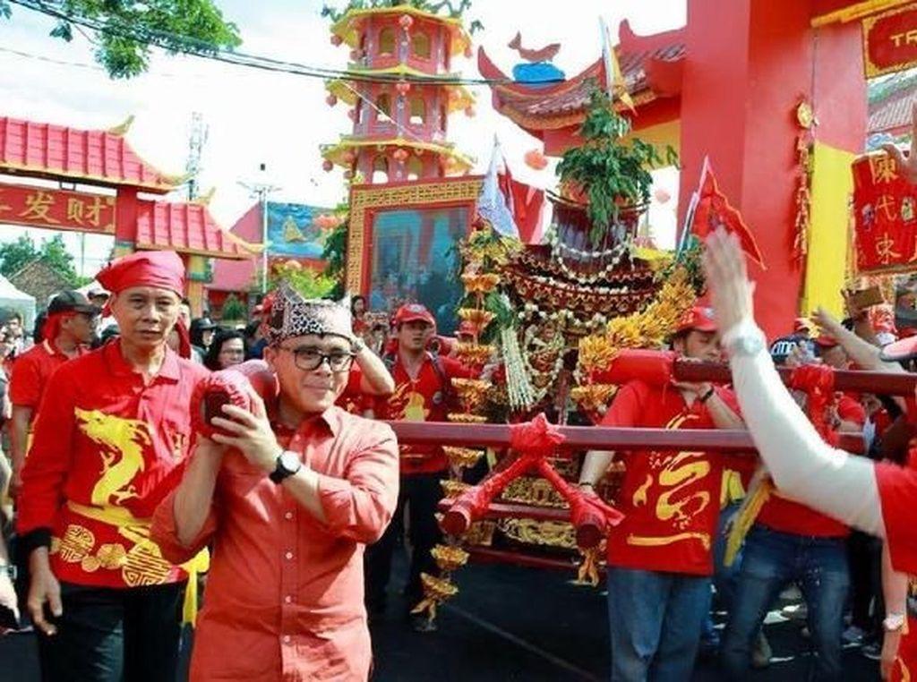 Atraksi Kirab Budaya Tionghoa Meriahkan Agenda Banyuwangi Festival