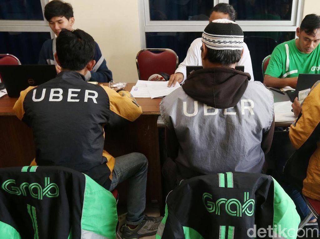 Driver Uber Menyerahkan Diri Gabung Grab