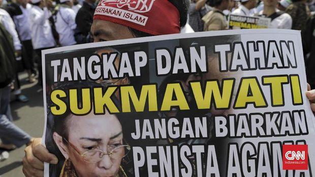 Aksi Bela Islam yang dimotori PA 212 memprotes kasus dugaan penodaan agama oleh SUkmawati, di Jakarta, Jumat (6/4/2018).