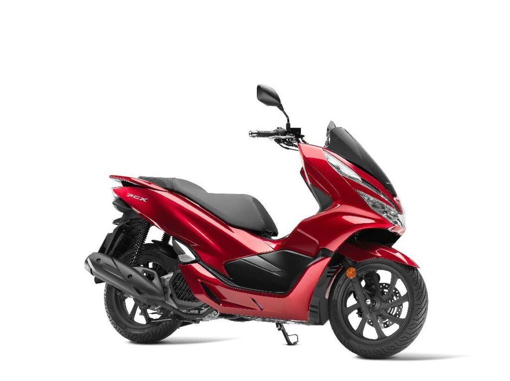 Honda Ikut Ganti Tampang Skuter Bongsor PCX125