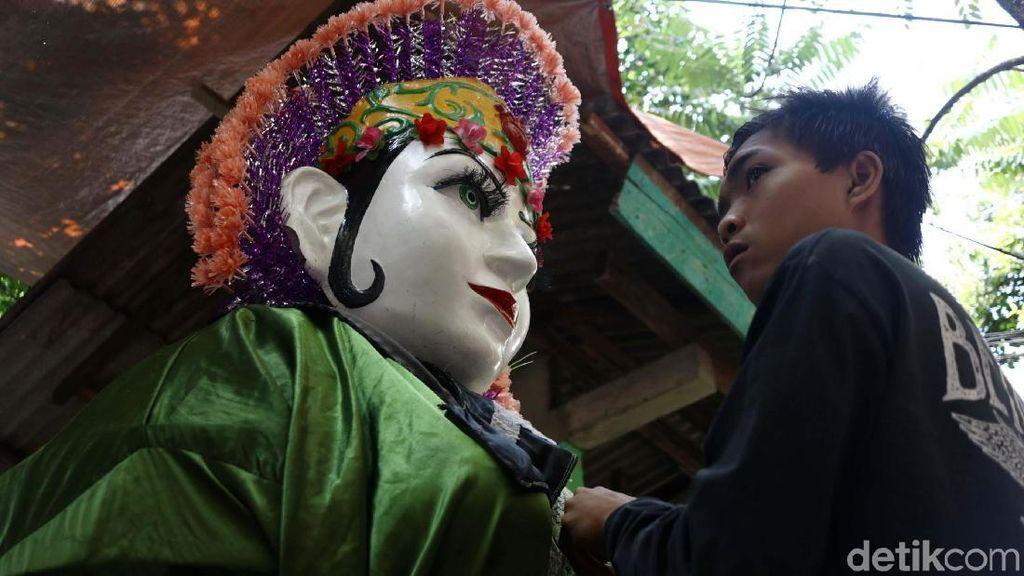 Mengintip Sarangnya Ondel-ondel di Jakarta