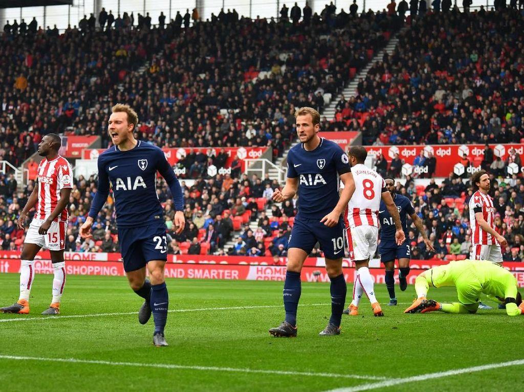 Dua Gol Eriksen Menangkan Spurs di Markas Stoke