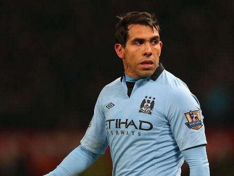 Carlo Tevez jadi salah satu pemain yang pernah membela Manchester United dan Manchester City