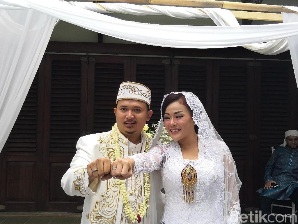 Chef Aiko Undang Mantan ke Pernikahan, Termasuk Saiful Jamil Nggak?