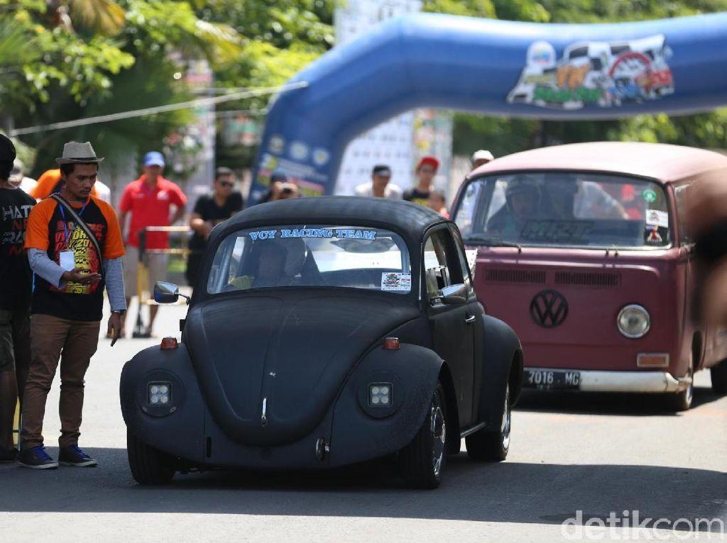 Surabaya Sesak Mobil Klasik Volkswagen, ada apa ya?